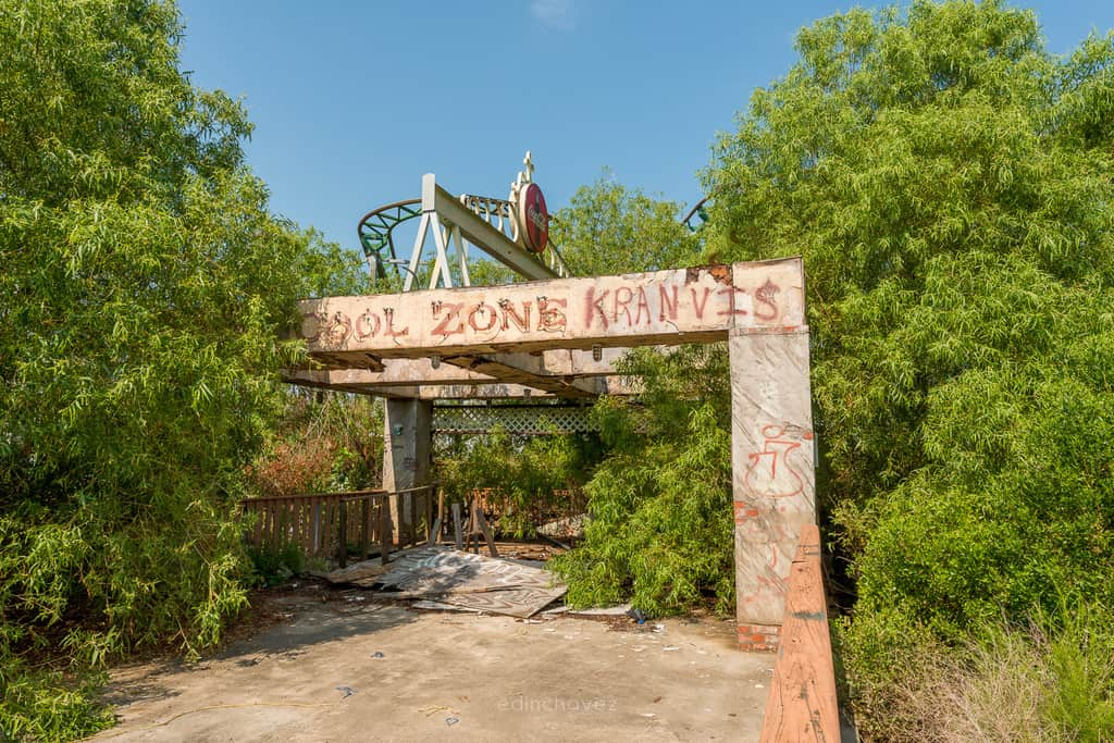 Abandoned Six Flags New Orleans-40