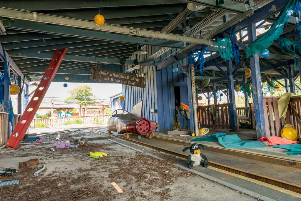 Abandoned Six Flags New Orleans-48