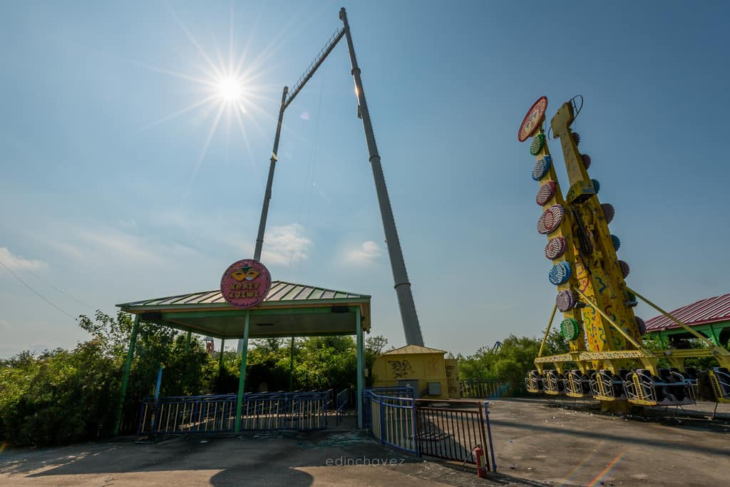Abandoned Six Flags New Orleans-65