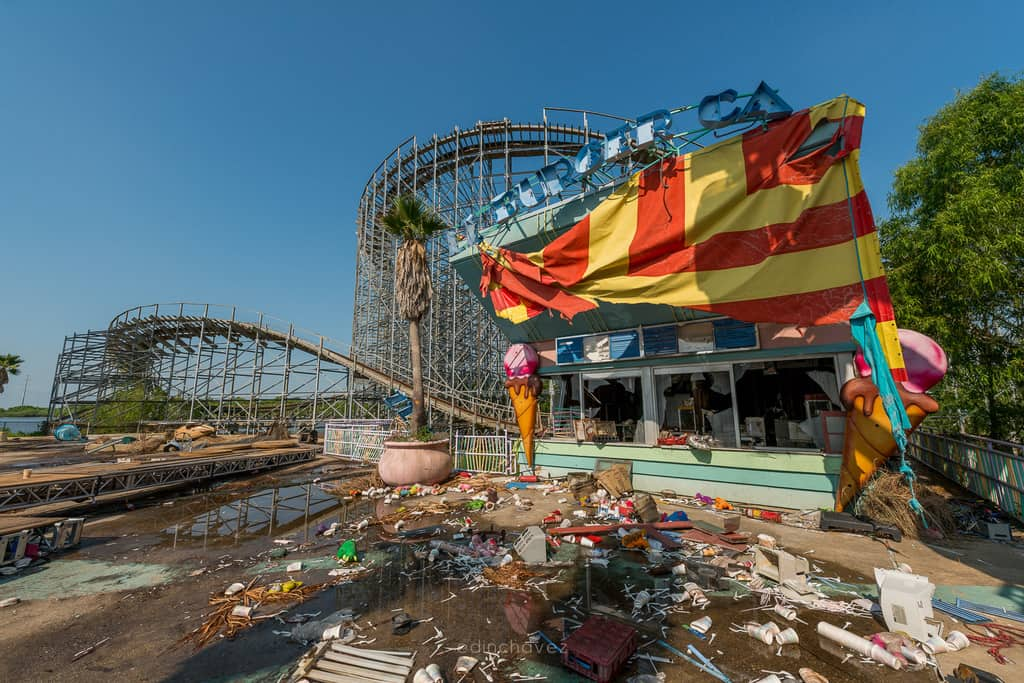 Abandoned Six Flags New Orleans-82