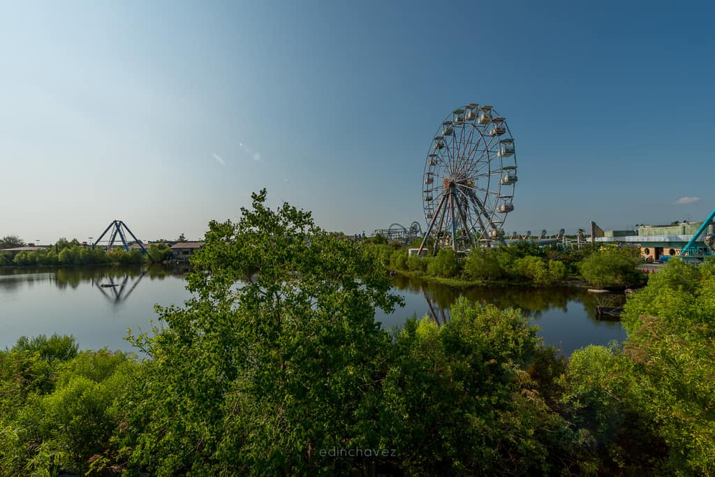 Abandoned Six Flags New Orleans-93