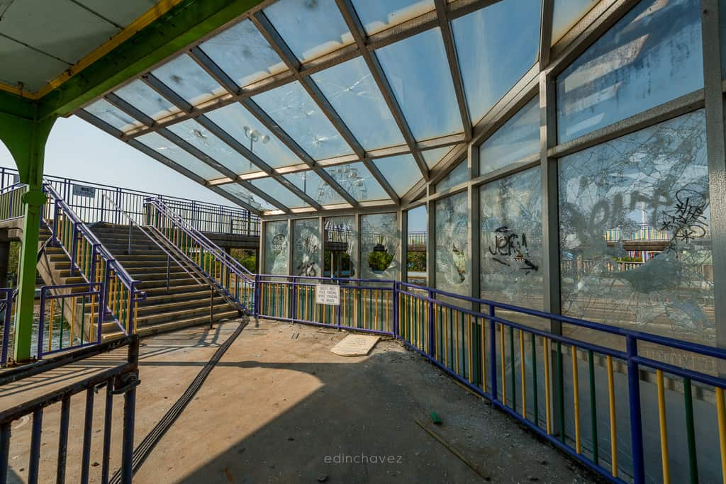 Abandoned Six Flags New Orleans-98
