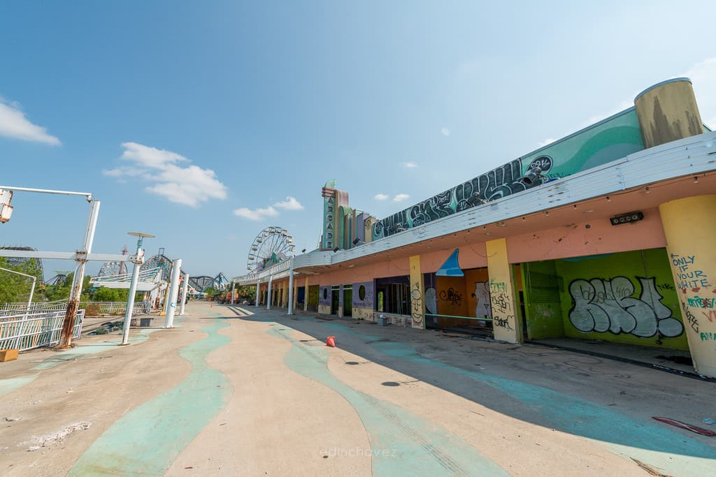 Abandoned Six Flags New Orleans-22
