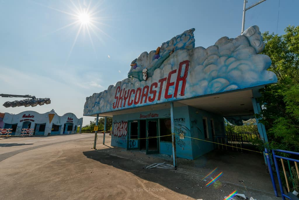 Abandoned Six Flags New Orleans-63