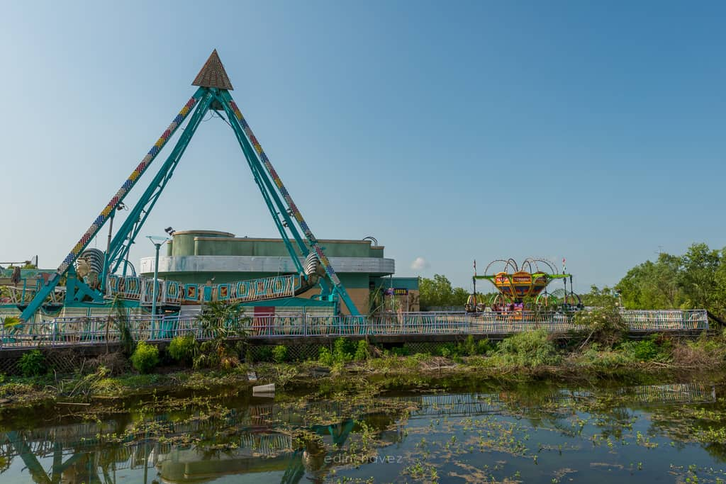 Abandoned Six Flags New Orleans-74