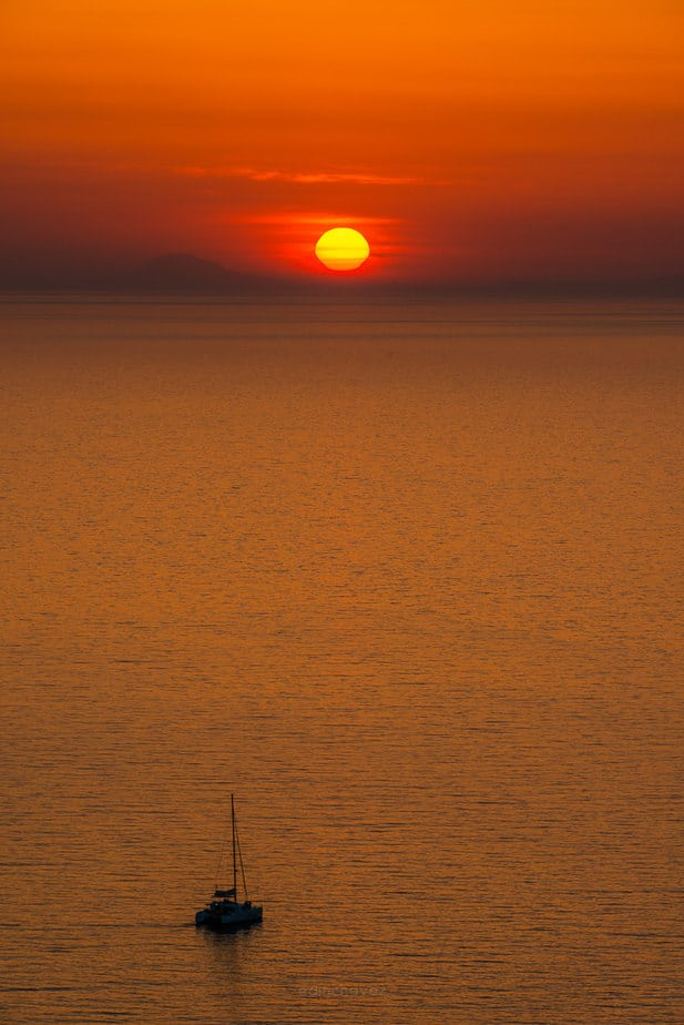 Best places to photograph the sunset in Santorini