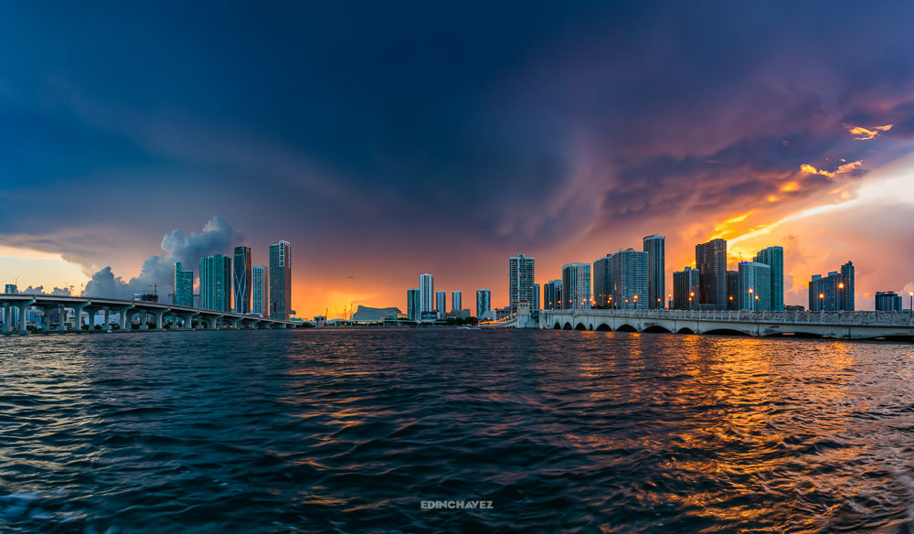 Miami Storm what happens when there is a hurricane, beautiful photos of Miami